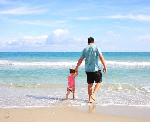 Tatínek nejeví zájem o malou dceru